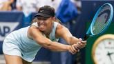 Maria Sharapova kalah dua set langsung dari Ashleigh Barty. Setelah kalah 4-6 di set pertama, mantan petenis nomor satu dunia itu kalah 1-6 di set kedua. (Meg Vogel/The Cincinnati Enquirer via AP)