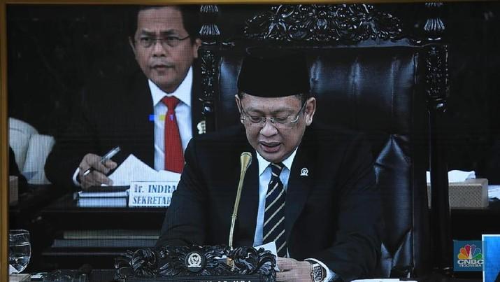 DPR RI telah menerima surat dari Presiden Joko Widodo (Jokowi) perihal penyampaian hasil kajian dan permohonan dukungan pemindahan ibu kota.