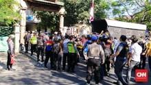 Pasang Spanduk, Mahasiswa Papua Tolak Kedatangan Risma
