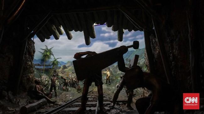 Dalam masa penjajahannya, bangsa ndonesia menjadi korban kerja paksa, tanam paksa hingga perampasan kekayaan harta benda, hasil bumi dan tentu saja nyawa oleh pihak penjajah. (CNN Indonesia/Adhi Wicaksono)