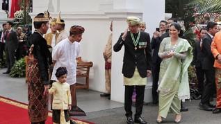 Hadiri Upacara di Istana, AHY Disambut Jokowi dan Jan Ethes