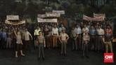 Selain menghadapi sisa kekuatan Jepang, bangsa Indonesia berhadapan dengan tentara Inggris atas nama Sekutu, dan juga Nederlandsch Indië Civil Administratie (NICA) yang datang kembali dengan membonceng Sekutu. (CNN Indonesia/Adhi Wicaksono)