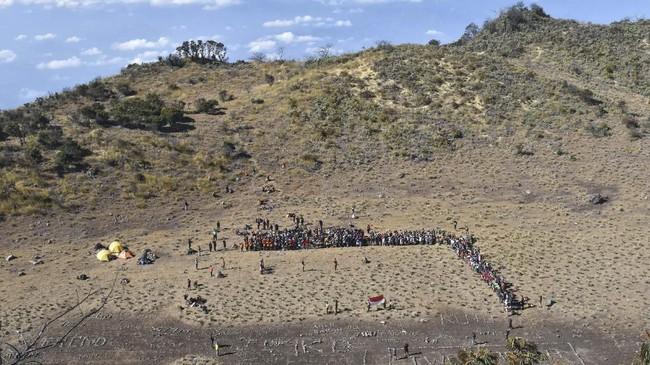 Gunung Lawu setinggi 3.265 meter di atas permukaan laut tersebut ramai dikunjungi pendaki pada momen liburan 17 Agustus. (ANTARA FOTO/Siswowidodo)