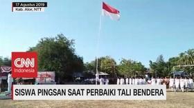 VIDEO: Siswa Terjatuh dan Pingsan Saat Perbaiki Tali Bendera