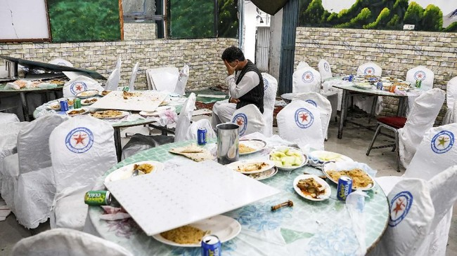 Pesta pernikahan di Afghanistan adalah momen yang sangat epik dan meriah. (REUTERS/Mohammad Ismail)
