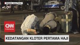 VIDEO: Sampai di Indonesia, Kloter Pertama Haji Sujud Syukur