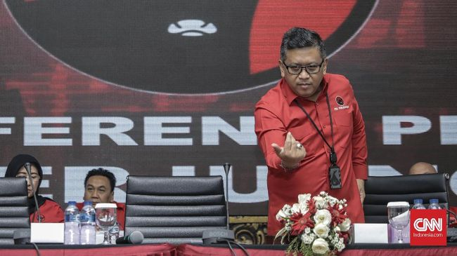 Hasto Sindir Calon-calon Menteri yang Ingin Jadi Capres