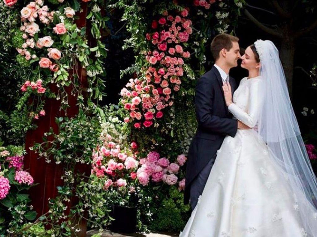 Ini adalah salah satu foto pernikahan mereka.Foto: Instagram