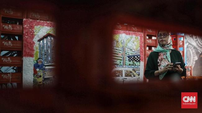 Instalasi seni ini menjadi sarana berekspresi sekaligus upaya pengenalan sejarah. (CNN Indonesia/Andry Novelino)