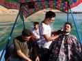 VIDEO: Mencukur Rambut Seraya Mengarungi Lautan