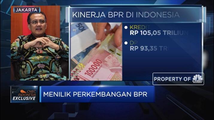 Industri BPR menghadapi cobaan dengan tingginya NPL serta persaingan dengan pinjaman online.
