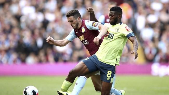 Aston Villa menelan kekalahan di hadapan publik sendiri setelah takluk 1-2 dari Bournemouth pada pekan kedua Liga Inggris di Stadion Villa Park, Sabtu (17/8). (Tim Goode/PA via AP)