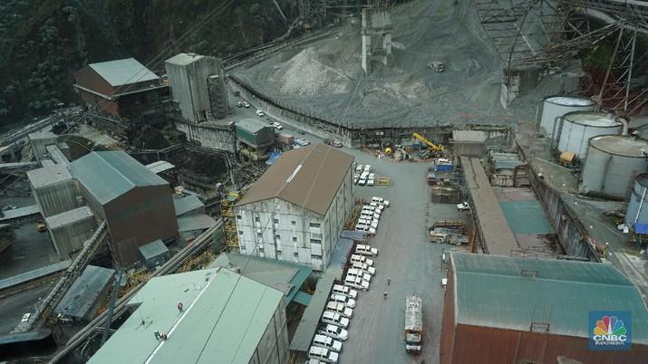 Sensasi Melayang di Atas Area Produksi Tambang Freeport Papua