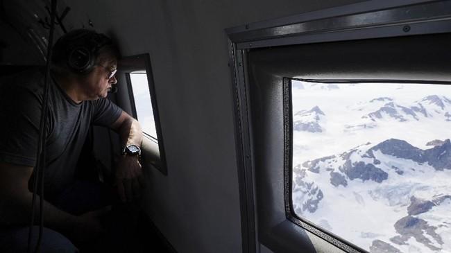 Es di Greenland diketahui mencair enam kali lebih cepat dari tahun 1980an. (AP Photo/Mstyslav Chernov)