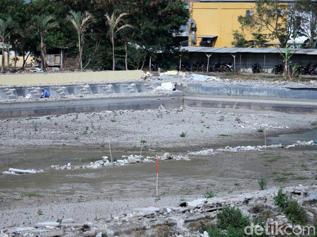 Empang di Tegalluar Dibongkar Demi Proyek Kereta Cepat Jakarta-Bandung