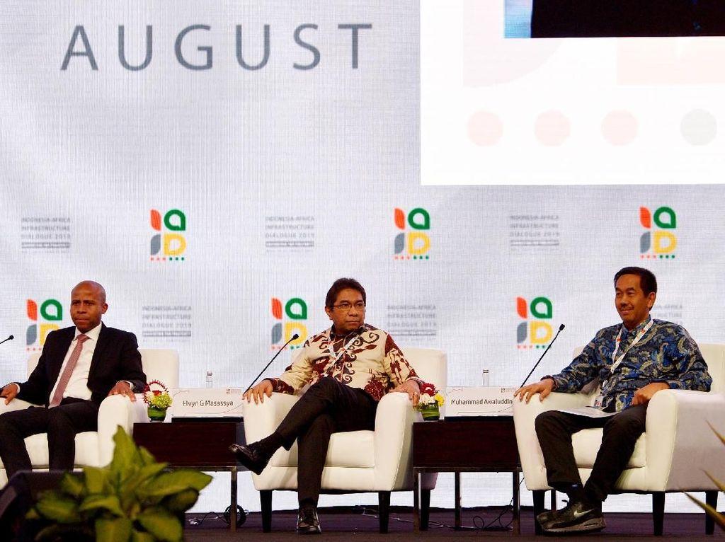Dalam sesi tersebut pembicara dari Indonesia dan Afrika membahas potensi pengembangan bisnis perdagangan menyangkut infrastruktur serta fasilitas pendukungnya. Foto: dok. AP II