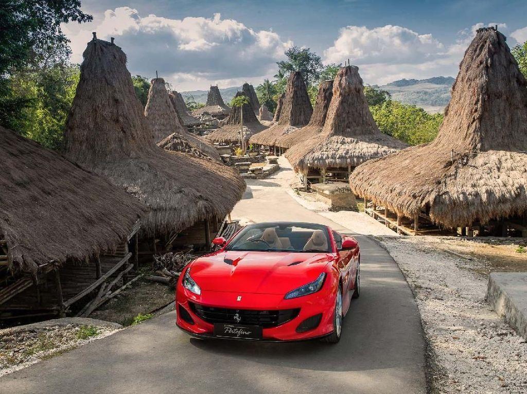 Eksotisme Ferrari Portofino di Tanah Sumba
