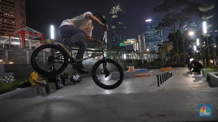 Menikmati Kota Jakarta Melalui Taman Spot Budaya Sudirman