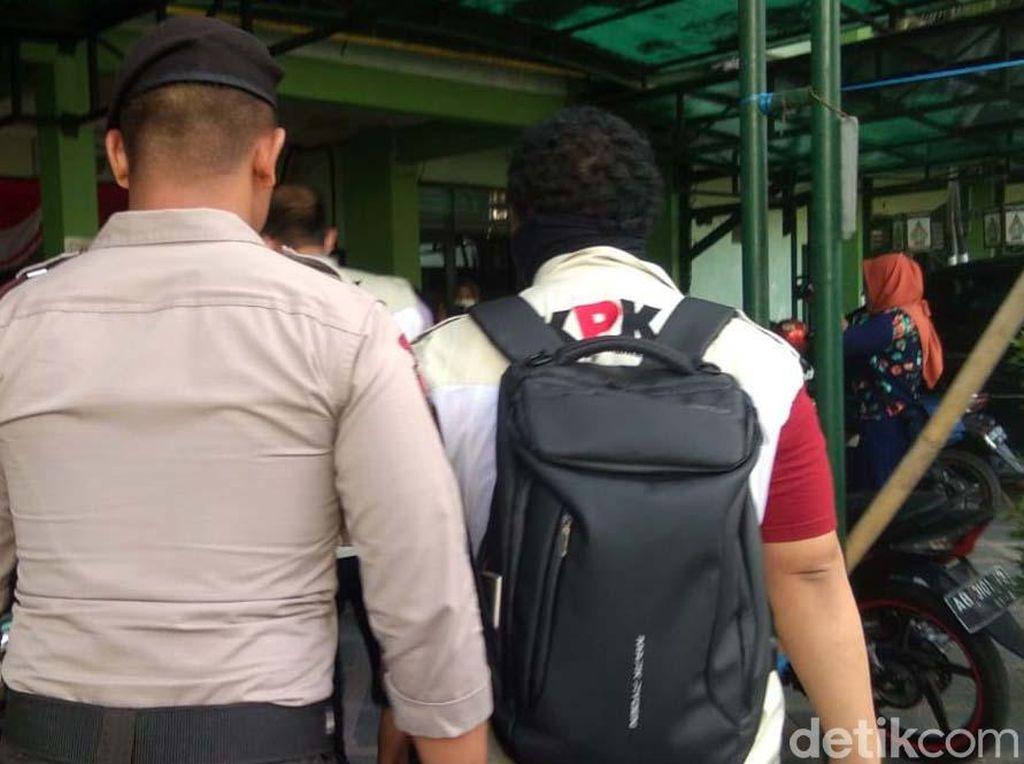 Penyidik KPK Geledah Balai Kota Yogya