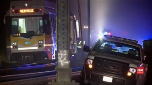 VIDEO: Kereta LRT Tergelincir di California, 27 Orang Luka
