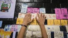 Gandeng Tangan, Bentuk Protes Lebih Damai Versi Hong Kong