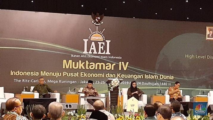 Ikatan Ahli Ekonomi Islam Indonesia (IAEI) menggelar High Level Discussion & Opening Ceremony Muktamar IV IAEI di The Ritz-Carlton Hotel Jakarta.