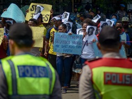 Kronologi Polisi Beri Miras ke Mahasiswa Papua di Bandung