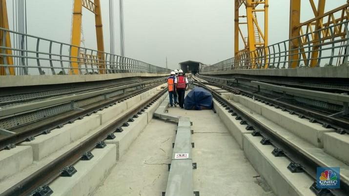 LRT Jabodebek progresnya baru mencapai 65%, rute Cibubur-Cawang yang paling signifikan perkembangannya.