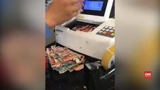 VIDEO: DIsimpan Dalam Lemari, Uang Rp10 Juta Dimakan Rayap