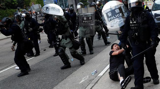 Polisi Hong Kong Larang Demonstrasi Akhir Pekan