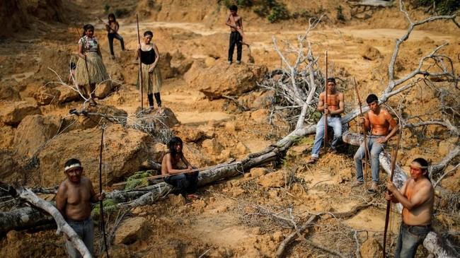 Data Instituto Scioambiental mencatat lebih dari 18 ribu suku Mura memilih tetap menghuni hutan hujan Amazon. (REUTERS/Ueslei Marcelino)