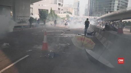 VIDEO: Detik-detik Ricuh Demonstrasi di Hong Kong
