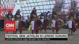 VIDEO: Festival Seni Jathilan di Lereng Gunung Bromo