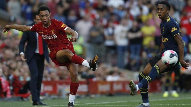 Bintang Muda Liverpool Masih Anggap MU Tim Papan Atas