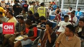 VIDEO: Basarnas Evakuasi 309 Penyintas Kapal Terbakar