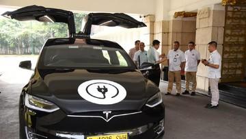 Besok Jokowi Menteri Kumpul Jajal Mobil Listrik Tesla Cs