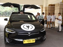 Besok, Jokowi & Menteri Kumpul Jajal Mobil Listrik Tesla Cs