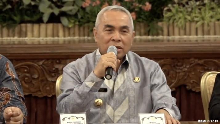 Guburnur Kalimantan Timur Isran Noor menyatakan kesiapannya untuk mendukung rencana pemerintah pusat untuk memindahkan Ibu Kota ke Kalimantan Timur.