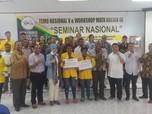 Mind Id Salurkan Beasiswa untuk Mahasiswa Uncen Papua
