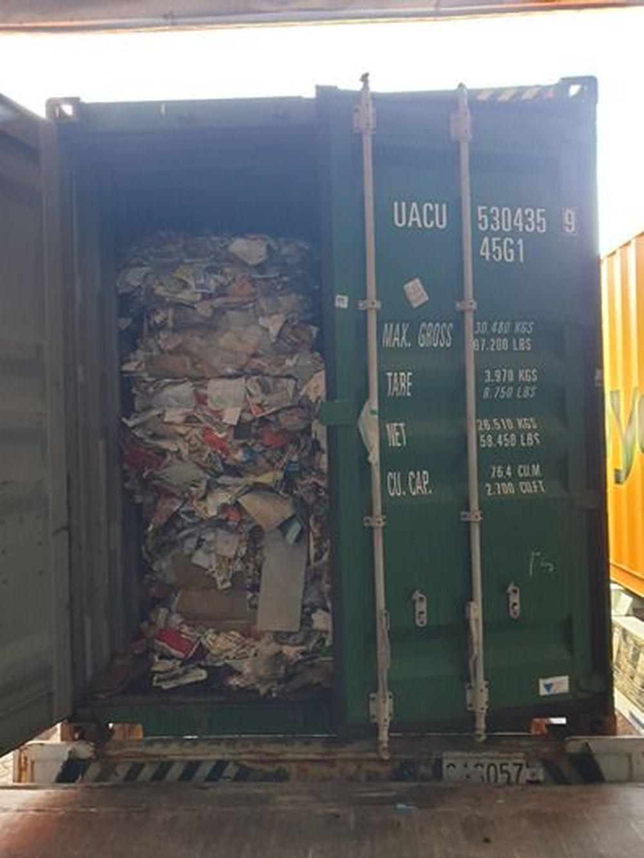Indonesia belakangan ini kerap menerima setidaknya 300 kontainer limbah impor dari negara-negara maju seperti AS, Australia, Prancis, Jerman dan Hong Kong. (ist Bea Cukai)