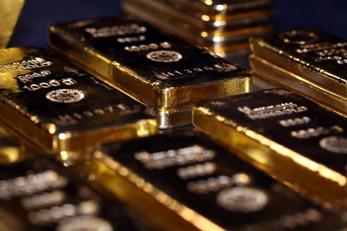 Dua hari yang lalu, optimisme ditandatanganinya kesepakatan dagang Amerika Serikat (AS) dengan China membuat harga emas anjlok 1,7%.