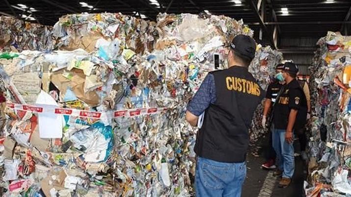 Impor sampah sudah bikin resah Presiden Jokowi, hingga harus mengeluarkan instruksi pengendalian impor sampah.