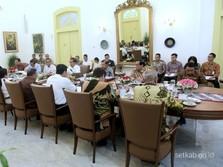Impor Sampah 'Disusupi' Bahan Beracun, Jokowi: Tindak Tegas!
