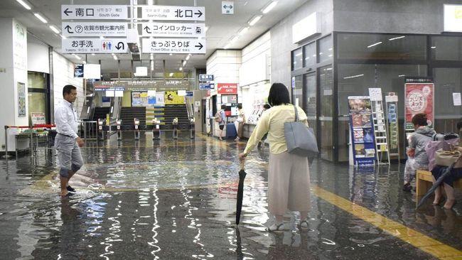 Waspada Banjir dan Longsor, Jepang Evakuasi 240 Ribu Warga