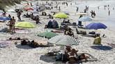 Pengelola pabrik menyangkal telah mencemari garis pantai di sekitarnya. (Vincenzo PINTO / AFP)