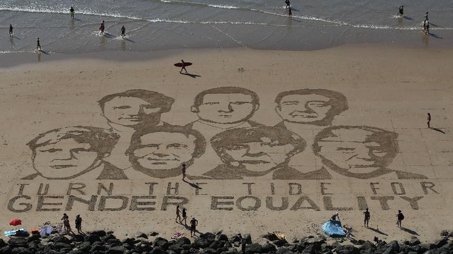 Gambar pemimpin-pemimpin G-7 dan tulisan