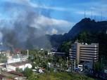 Jayapura Rusuh: Kantor Telkom Dibakar, PLN Matikan Listrik