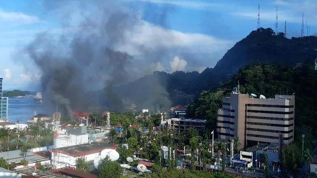 Usai Gedung Dibakar, Aparat Jaga Aset Milik Telkom Jayapura