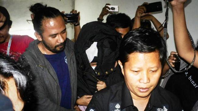 Tiba di Polda Metro Jaya, Otak Pembunuhan Ayah-Anak Bungkam