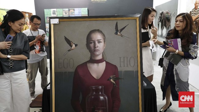 Ajang seni rupa Art Jakarta kembali digelar pada 30 Agustus hingga 1 September 2019 di Jakarta Convention Center. (CNN Indonesia/Safir Makki)